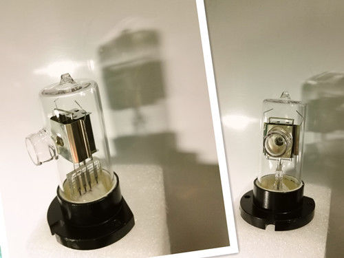 Free Sample Deuterium Lamp Size Customized For Medical Devices Warranty 1500 Hrs